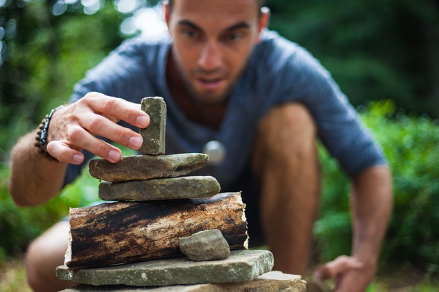 stavění kamenů.jpg